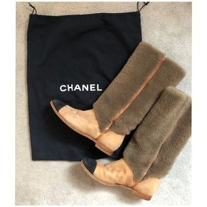 CHANEL Authentic Shearling Suede Boots 37/US 6